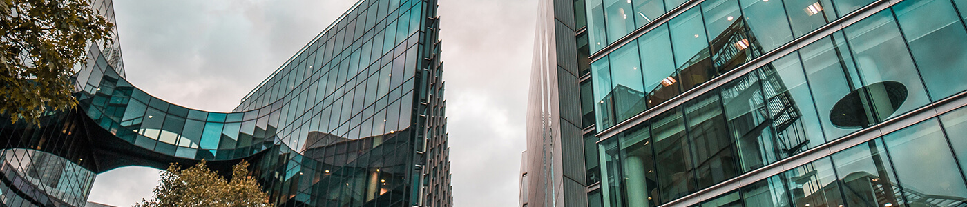 investing in commercial real estate keep these factors in mind cover image